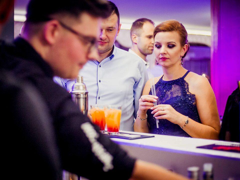 Opern bar na weselu w maju